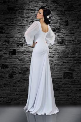 שמלת כלה עם גב חשוף ושרוולים