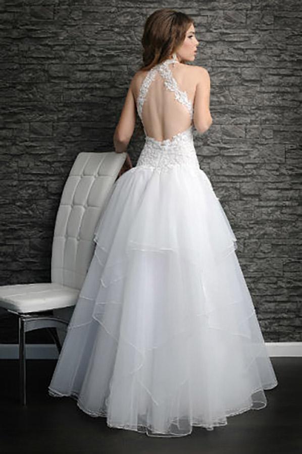 שמלת כלה עם חצאית נפוחה בשתי שכבות