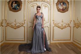 שמלת ערב אפורה בשילוב אפליקציה מיוחדת
