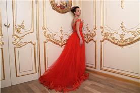 שמלות ערב בצבע אדום, עם גב חשוף וחצאים בגימור פרחים
