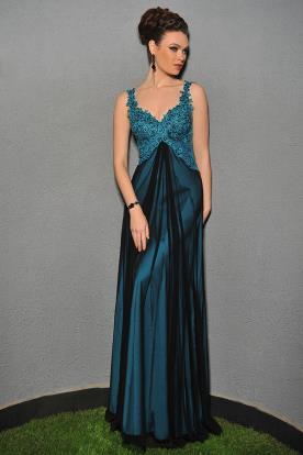 שמלת ערב עם מחשוף מתחרה ושיפון