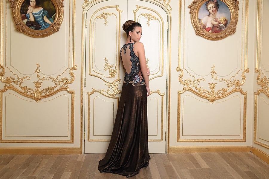 שמלת ערב עם גב פתוח