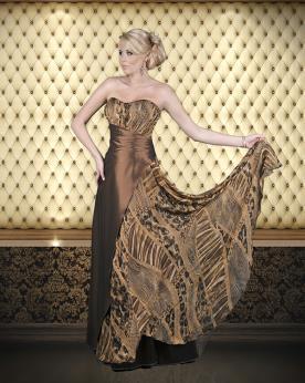 שמלת ערב מיוחדת בצבע שחור בשילוב זהב