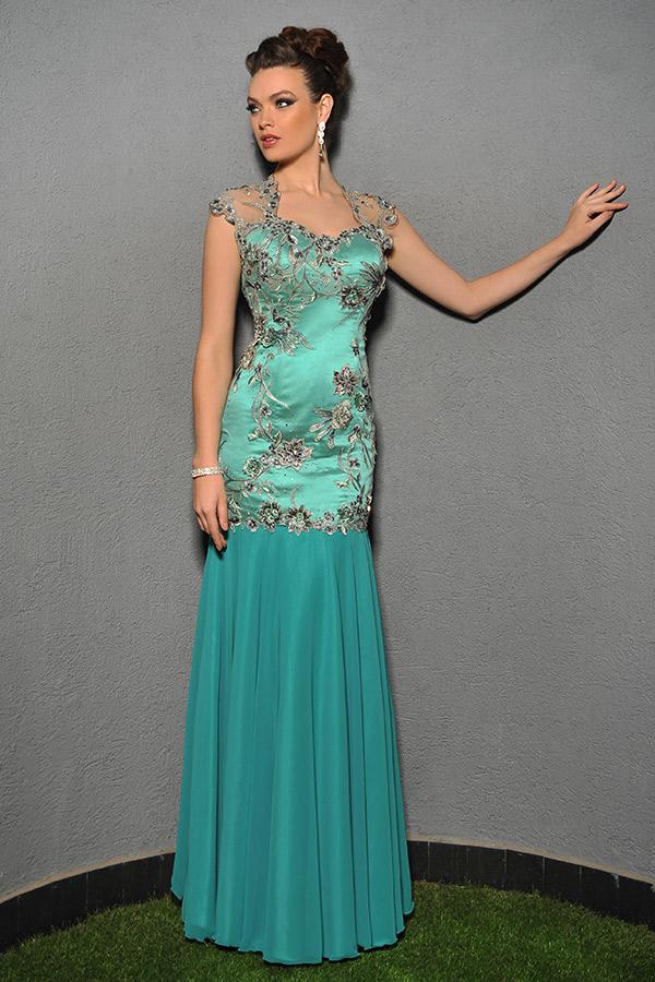 שמלת ערב אלגנטית בדוגמת בת ים