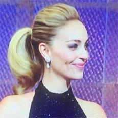 איפור ושיער: איפור כלות, תסרוקת כלה, קוקו, תסרוקת אסוף, תסרוקת לשיער חלק, תסרוקת לשיער גלי, שיער בלונדיני, איפור במראה טבעי, איפור לעור בהיר - שי בן יקר שיער ואיפור
