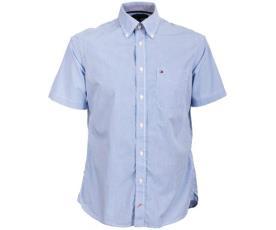 חולצה מחוייטת בעלת שרוול קצר
