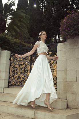 שמלת כלה בשני חלקים עם חצאית רחבה