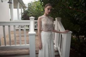 שמלת כלה בשני חלקים בקישוט חרוזים תואם
