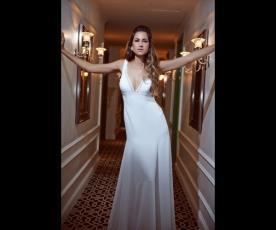 שמלת כלה חלקה לבנה