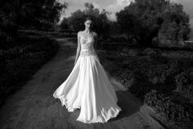 שמלת כלה עם תחרה וחגורת סאטן
