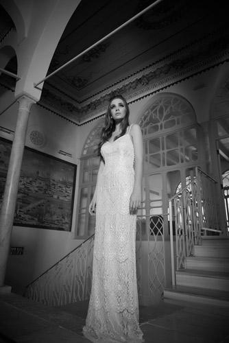 שמלת כלה ארוכה בעיצוב קלאסי