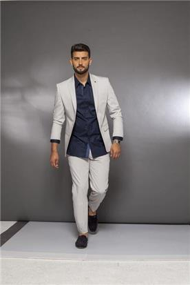 חליפת חתן: קולקציית 2019, חליפת שני חלקים, חליפה בגזרה ישרה, חליפה בדוגמה חלקה, חליפה בצבע קרם - בוקה