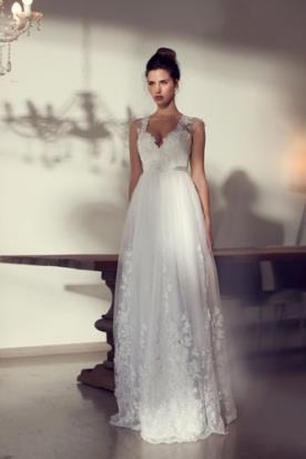 שמלת כלה נסיכותית בדוגמה פרחונית