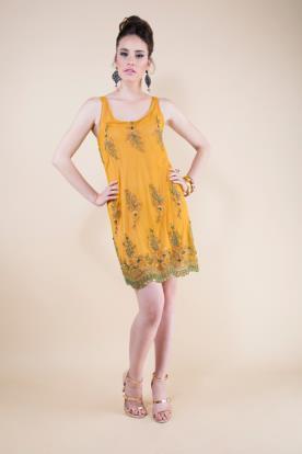 שמלת ערב בסגנון סוונטיז