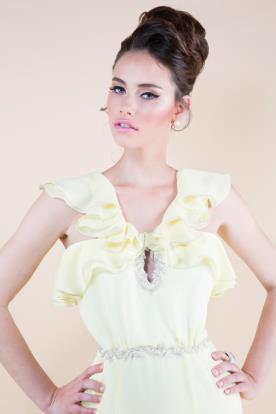 שמלת ערב צהבהבה