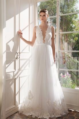 שמלת כלה טול עם סיומת תחרה