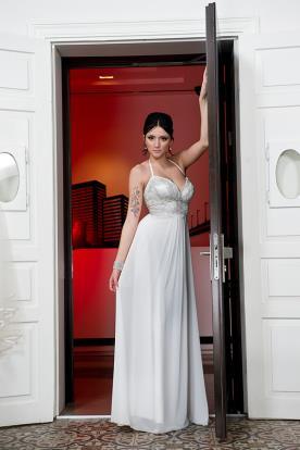 שמלת כלה חרוזים במחשוף