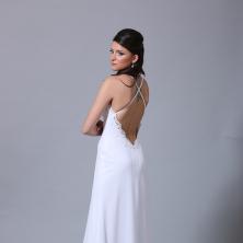 שמלת כלה עם איקס בגב