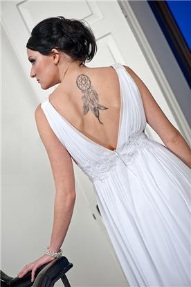 שמלת כלה: שמלה בסגנון קלאסי, שמלה עם תחרה, שמלה עם גב חשוף, שמלה בצבע לבן - סיפא  שמלות כלה וערב