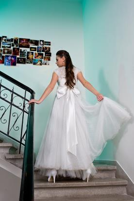 שמלת כלה פפיון סאטן בגב