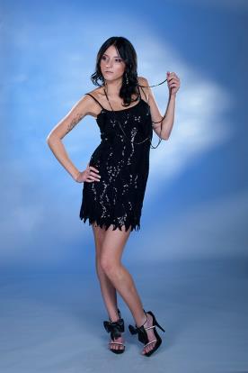 שמלת ערב שחורה קצרה מנצנצת