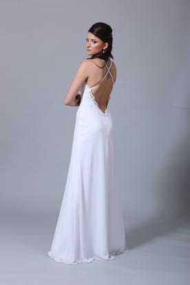 שמלת כלה נשפכת וגב איקסים