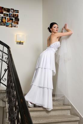 שמלת כלה קומות עדינה סטרפלס