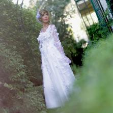 שמלת כלה תחרה ופרחים