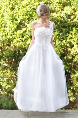 שמלת כלה אי סימטרית רומנטית
