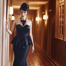 שמלת ערב סטרפלס שחורה עם חרוזים