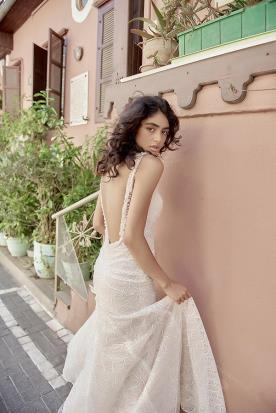 שמלת כלה ורדרדה גב חשוף