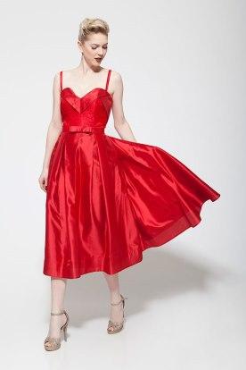 שמלת ערב אדום נועז