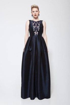 שמלת ערב שחורה בשילוב תחרה וסאטן