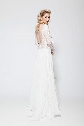שמלת כלה שרוולי תחרה ארוכים וגב חשוף