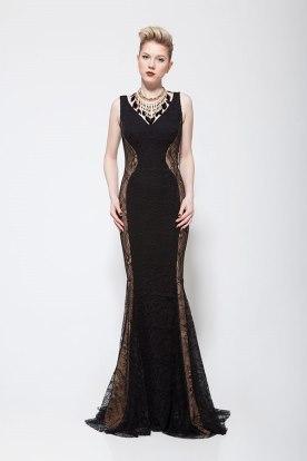 שמלת ערב שחורה עם תחרה שקופה בצדדים