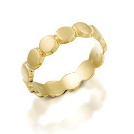 טבעת נישואין עדינה עם עיגולים