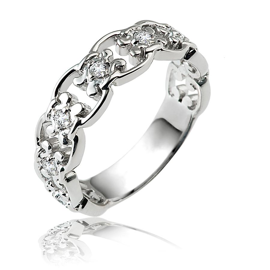 טבעת אירוסין יהלומים ופרחים