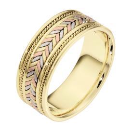 טבעת נישואין רחבה עם צמה