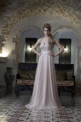 שמלת סטרפלס עדינה לערב