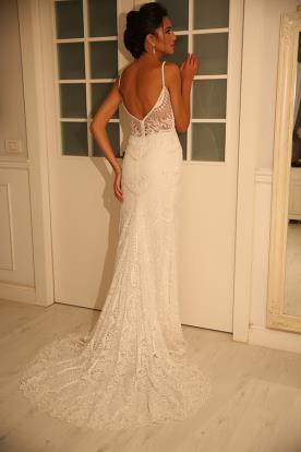 שמלה רומנטית מרהיבה לכלה