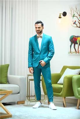 חליפה בצבע טורקיז