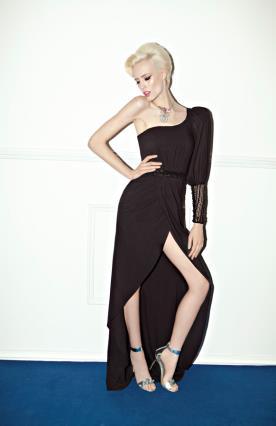 שמלת ערב נועזת שרוול אחד שחורה