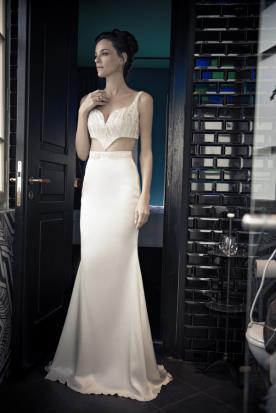 שמלת כלה שני חלקים עם פתח בבטן