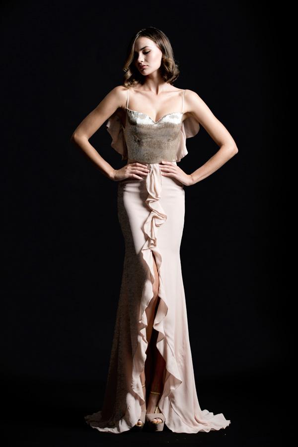 שמלת ערב שסע וקפלים אלגנטית