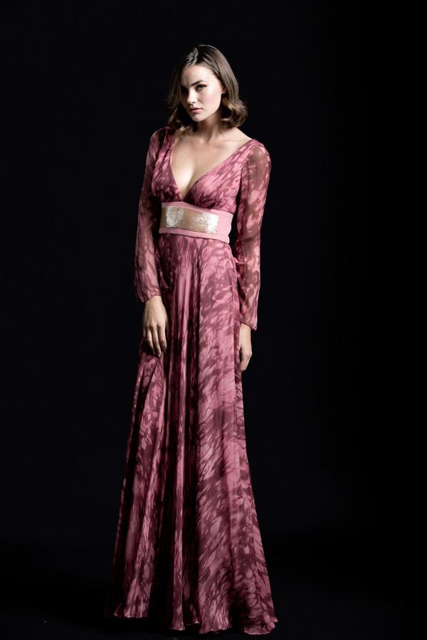 שמלת ערב מחשוף רחב וחגורה