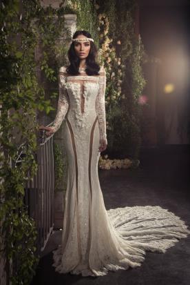 שמלת כלה תחרה עשירה נועזת
