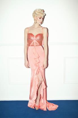 שמלת ערב חרוזים ושסע אסימטרי