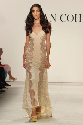 שמלת ערב עיגולי חרוזים בצידי הגוף