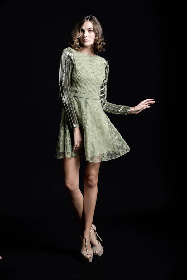 שמלת ערב קצרה ירוק זית ושרוולים