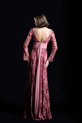 שמלת ערב טקסטורה ורודה וחגורה